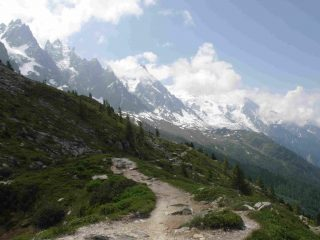 Il sentiero verso Plan de l'Aiguille