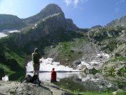 Il Lago degli Alberghi con dietro il Monte Ciamoussè