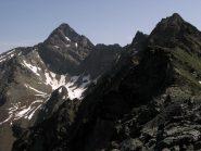 La cresta prosegue verso  Punta Coupèes (a sx la Garin)
