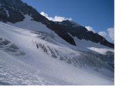 Per andare al Tete des Roeses bisogna attraversare il ghiacciaio...