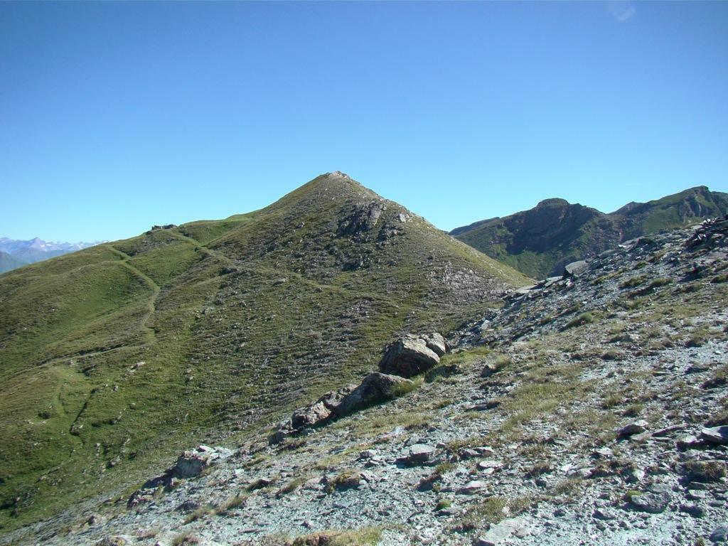La vetta vista dal sentiero verso il passo Brard