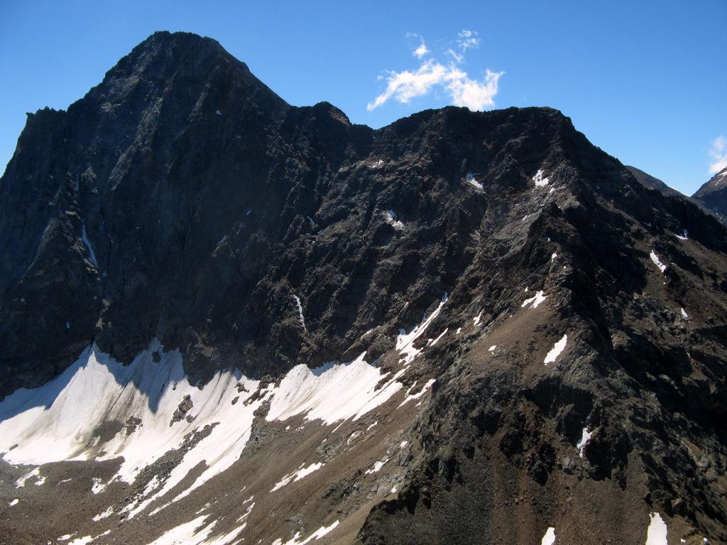 La cresta della ferrata dalla Becca di Nona.