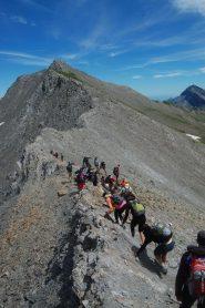 sulla cresta ovest, verso la cima, dopo il passaggio roccioso