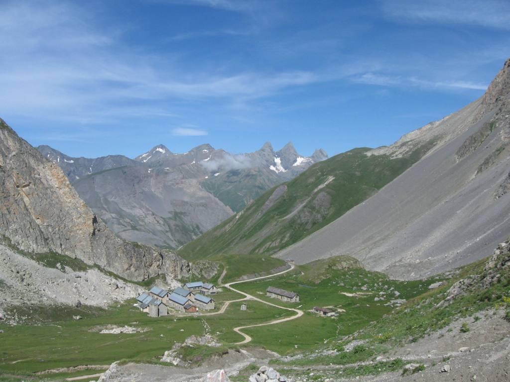 Dal lago G.Ban verso l'Aiguille d'Arves