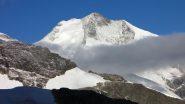 il primo sole del giorno illumina il Pizzo Bernina (25-7-2010)