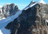 roccia nera e la via di salita su pendio 45°.jpg