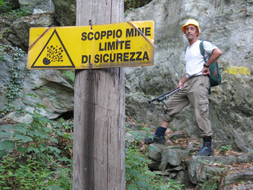 Maurizio al limite dello scoppio mine