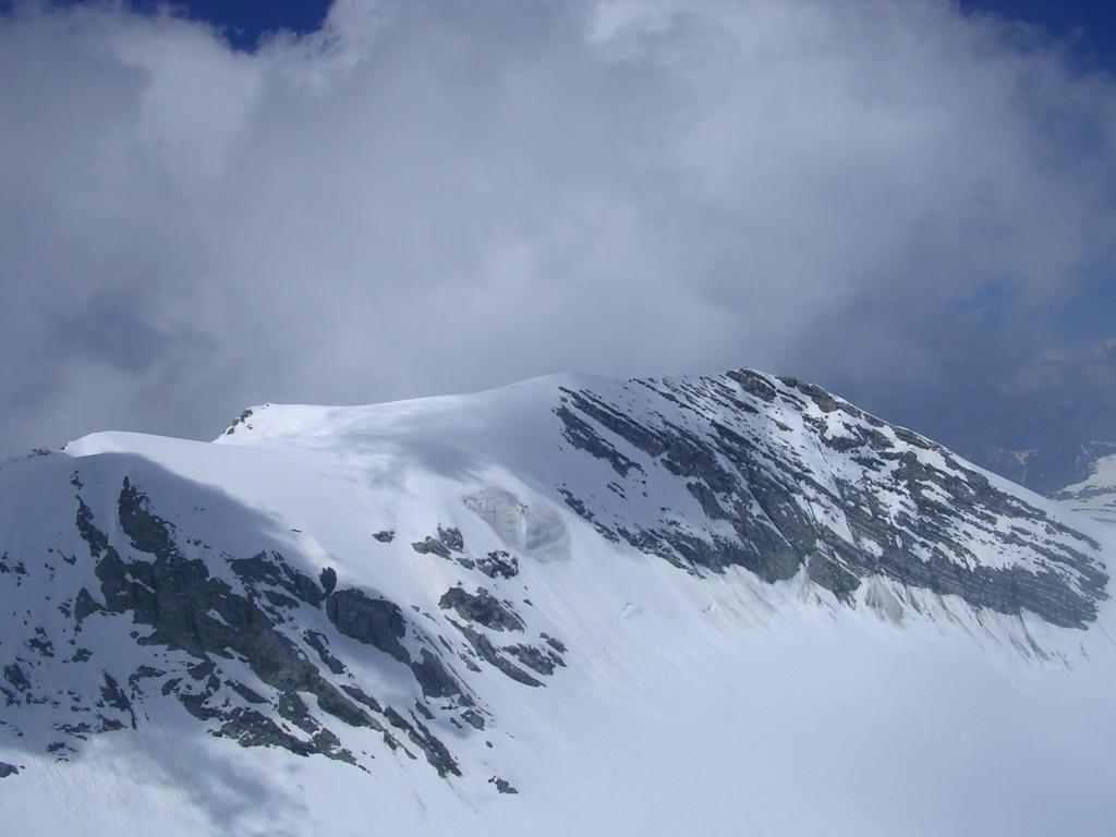 La punta degli Spiriti vista dalla cima di Tuckett
