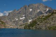 il lago mezzano di fremamorta con alle spalle la serra dell'argentera