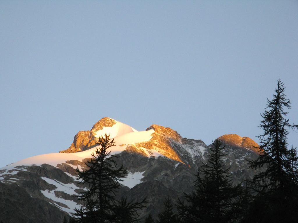 Aiguille de Trelatete, Petit Mont Blanc e Aiguille dell'Aigle