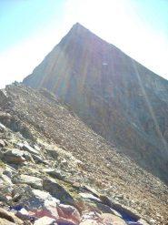 La cresta del Monte Rosso con la piramide dell'Emilius sullo sfondo
