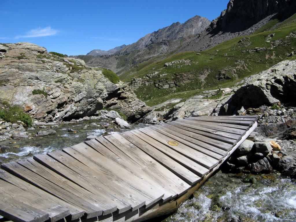 Ponte sul torrente Giasson