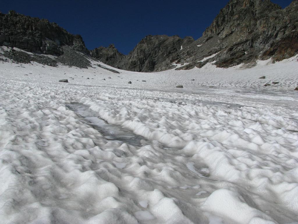 Il Colle del Ciardonei e la seconda parte del ghiacciaio ancora innevato