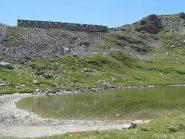 Resti di caserma sopra il Lago Grande