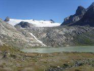 06 - lago glaciale e tutta l'acqua che esce dal ghiacciaio