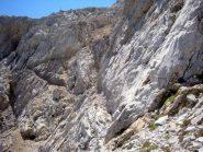il sentiero tagliato nella roccia