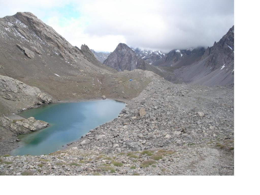 Il puntino blu' oltre il Lago e' il Biv.Barenghi