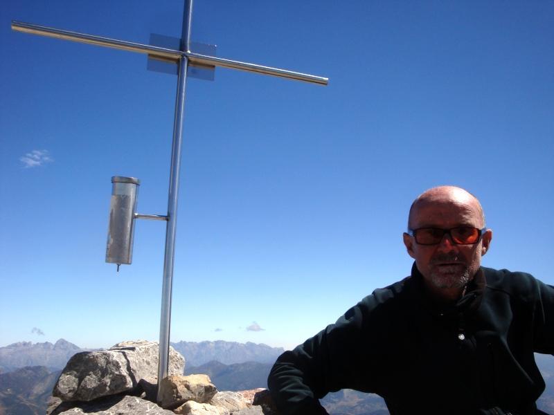 vetta (sullo sfondo i Picos de Europa)