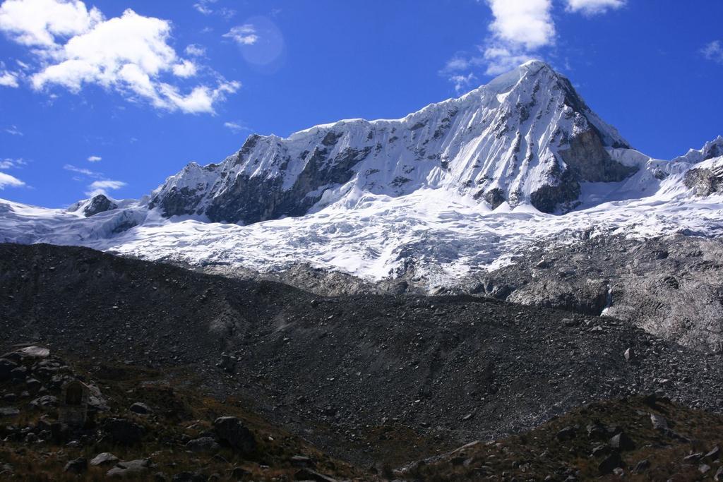 il Nevado Pisco osservato dai pressi del Rifugio Perù (16-8-2007)