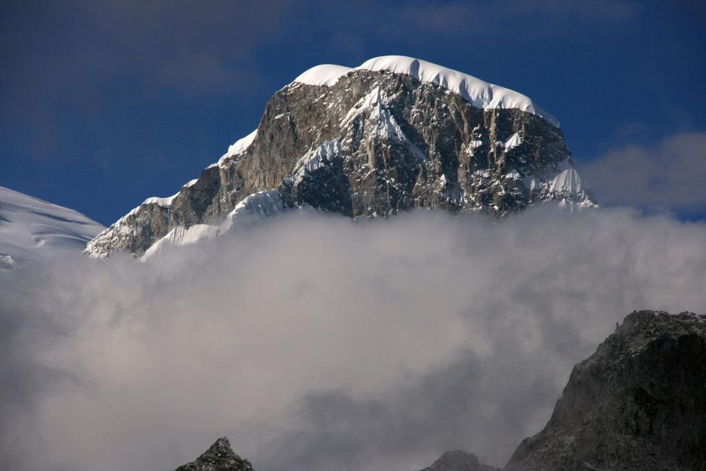 panorami dalla cima : Huascaran Norte m. 6654 (17-8-2007)