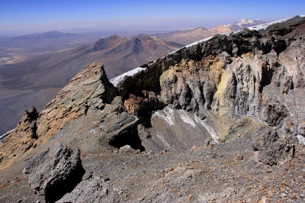 una parte del cratere visto dalla cima (24-8-2010)