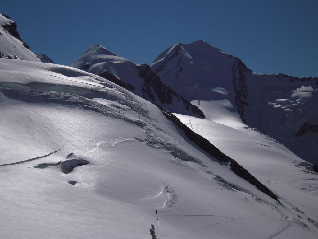 Polluce e Castore dal pianoro sotto il Breithorn e Roccia Nera