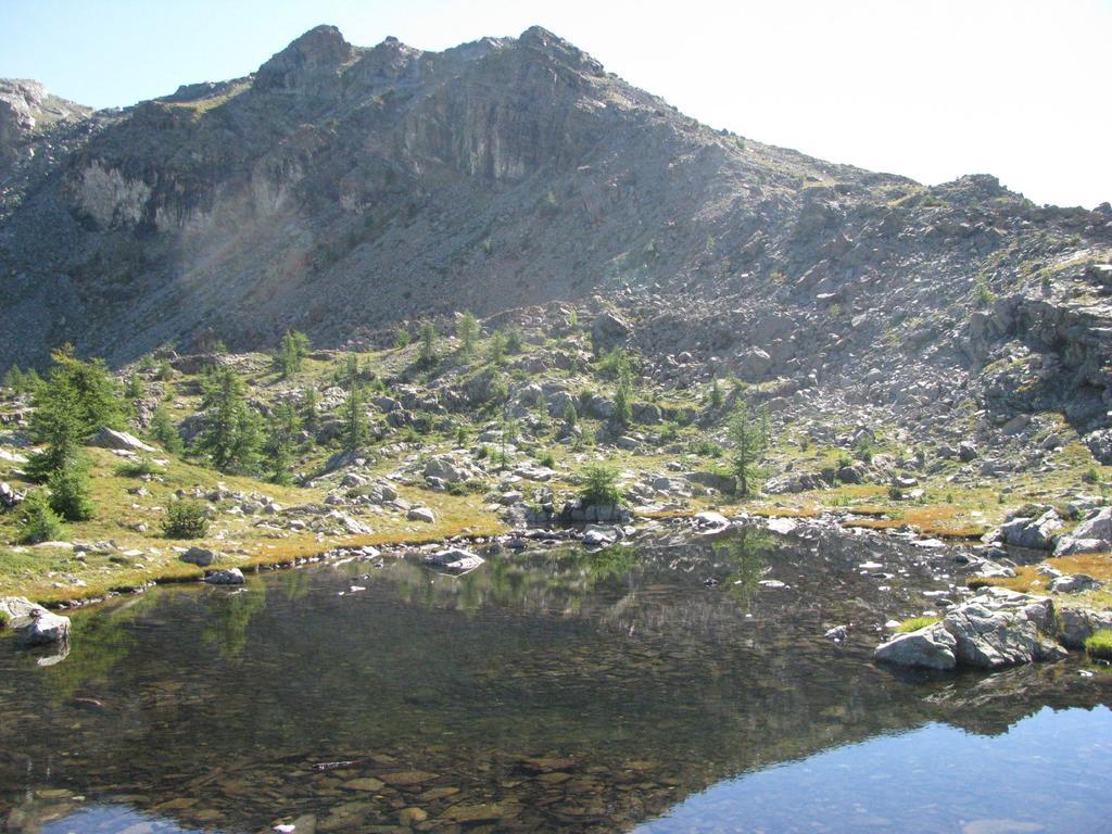 Vista di Cima Piana dai laghetti del Col de la Croix