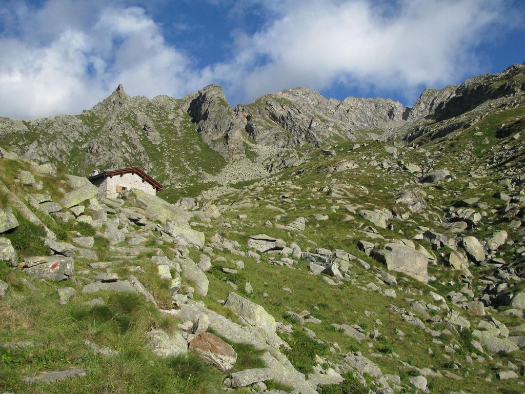 Arrivo al Casotto PNGP all'Alpe Giavino