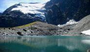 Il Lac Vert con dietro la Plattes des Chamois