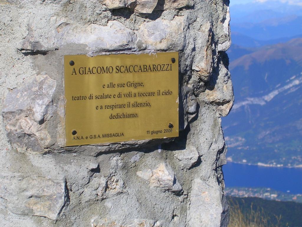 Targa a Giacomo Scaccabarozzi
