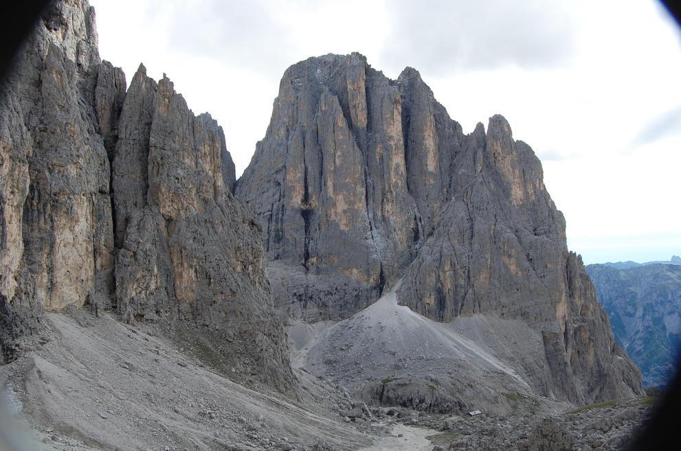 Pradidali Basso (Colle) dal Rifugio Pedrotti, anello per Passo Roda e Rifugio Pradidali 2010-09-10