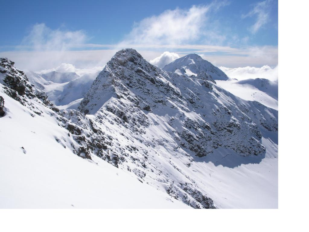 La Pedranzini e il S.Matteo visti dalla cresta sud.ovest al Tresero