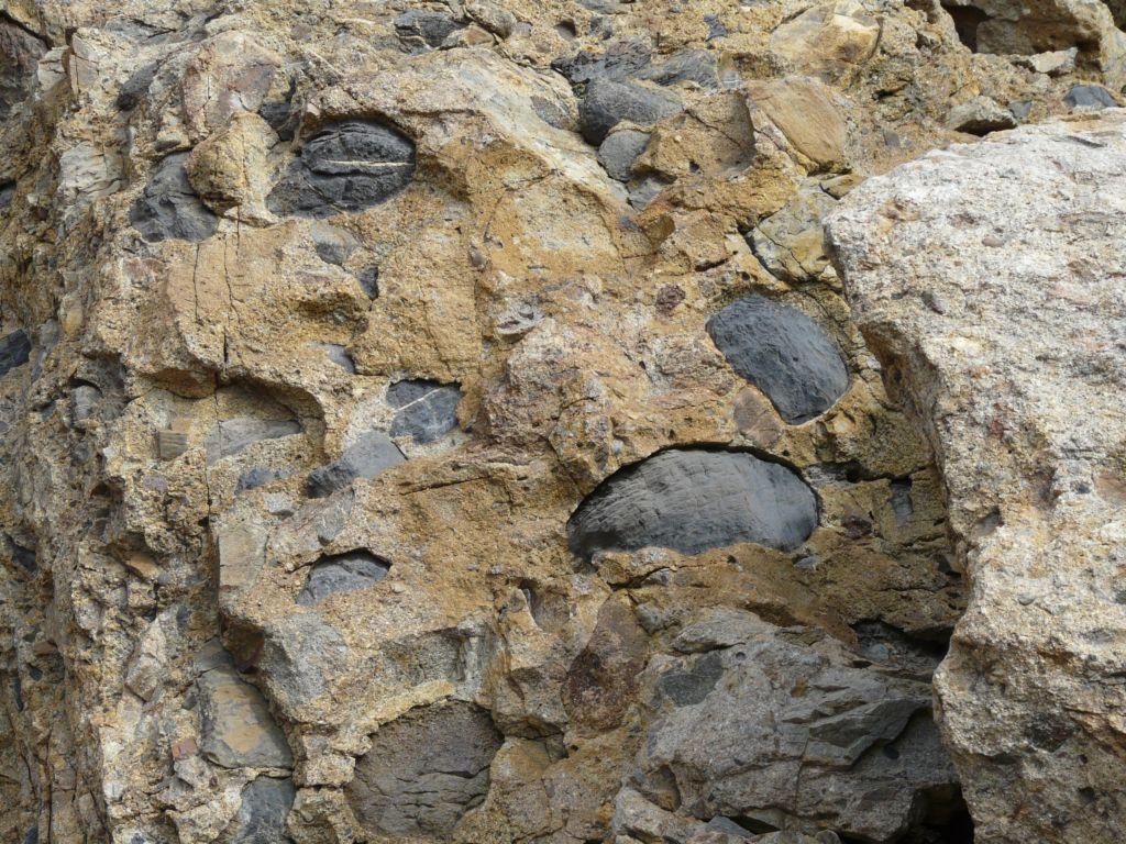 strane conformazioni della roccia