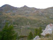 la parte alta del percorso oltre i 2000 m. con sullo sfondo a sn il m. Fallère