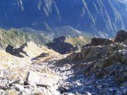 Dal 1° intaglio di cresta si scorge Bresciadega (molto in basso) e il