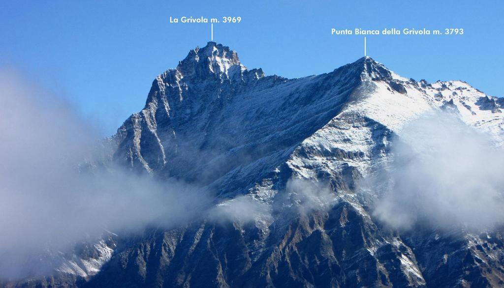 panorami dalla cima...il Gruppo della Grivola (26-9-2010)