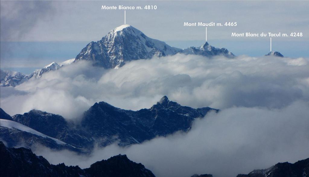 panorami dalla cima...verso il Gruppo del Bianco (26-9-2010)