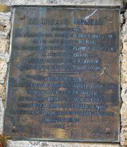 La targa a ricordo dell'improbo lavoro di Colombano Romean