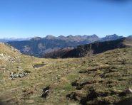 Passo Fregasoga (m.2200). Sullo sfondo il gruppo del Lagorai di Predazzo