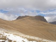 02 - la Patanua appare con le grandi praterie parzialmente coperte dalla prima neve