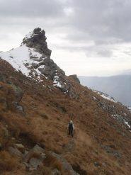 06 - il sentiero è tutto esposto a S, senza neve