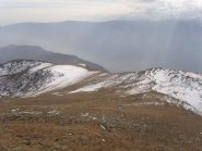 07 - il sentiero si insinua tra i nevai (Che non si calpestano.. ancora)