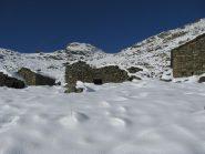 Alpe Pinacrosa superiore con quota 1742 sullo sfondo