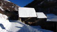 il primo sole del giorno sulle case di San Giacomo (4-12-2010)