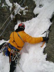 Andre partenza terzo tiro nella neve
