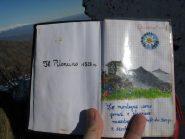 Quaderno di vetta del Piloncino
