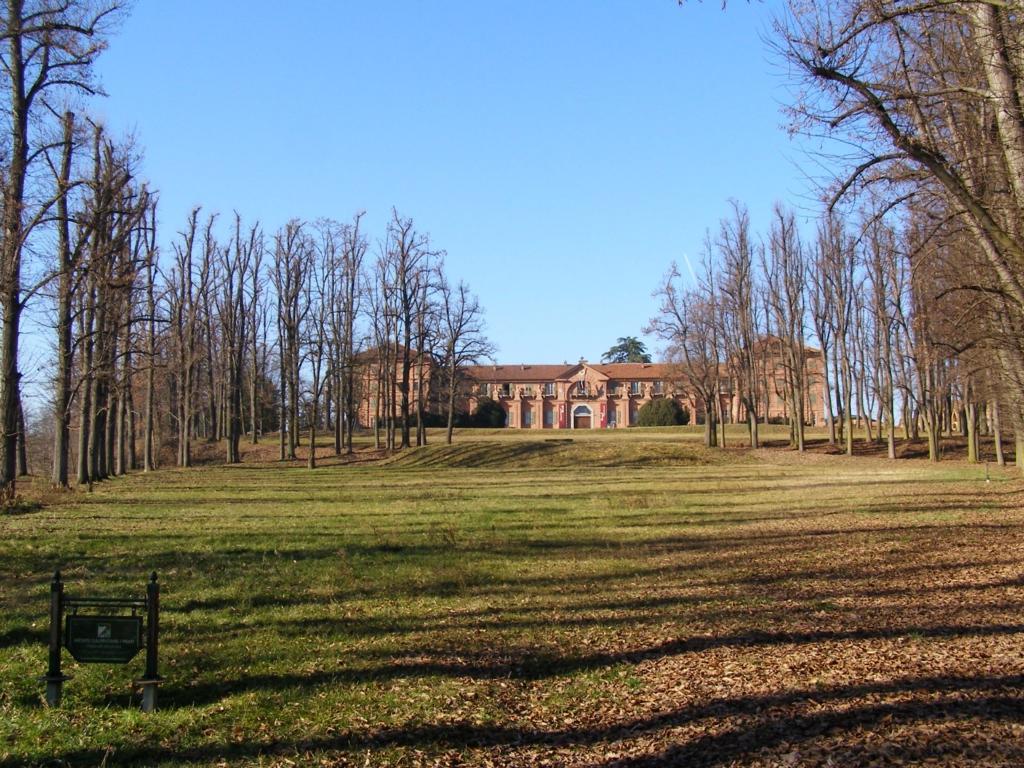 uno degli edifici interni al parco