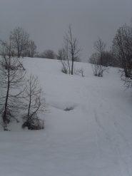 04 - quasi arrivati a Bousson, crosta sfondosa ricopera da 20cm di neve marcia... pessima da sciare.