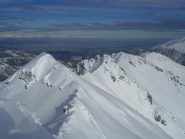 Dalla cima, vista verso Bec Baral, Matlas e Montevecchio.