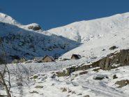 Alpeggi nel vallone dietro cima delle guardie